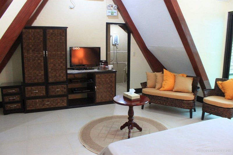 utopia-resort-lily-right-room-puerto-galera-philippines-024