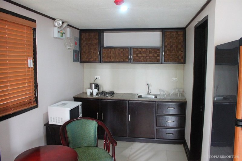 utopia-resort-rose-down-room-puerto-galera-philippines-002