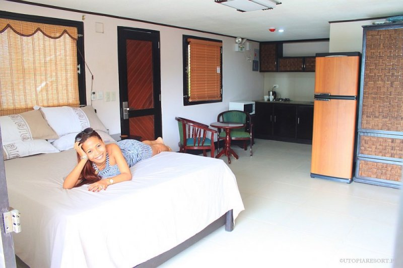 utopia-resort-rose-down-room-puerto-galera-philippines-056