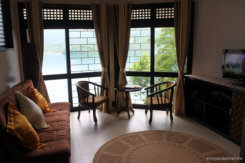 utopia-resort-sampaguita-room-puerto-galera-philippines-270