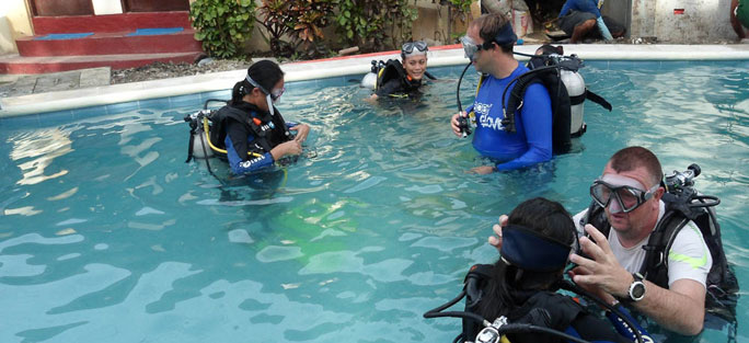 diving in puerto galera dlue ribbon dive resort puerto galera philippines